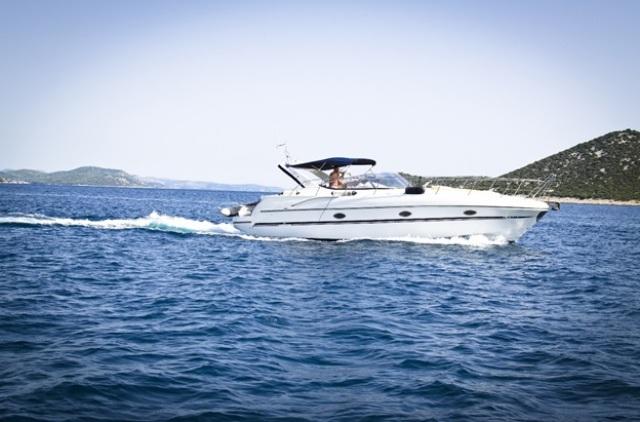 yacht charter Dubai services